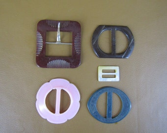 lot of 5 vintage plastic buckles