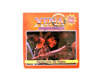 XENA : Warrior Princess Paperback Picture Book from 1996 . Princess in Peril . Comic Con Collector Sci Fi Fantasy