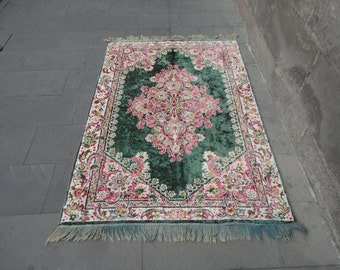Turkish vintage rug,wall rug,bedspread,tablecloth,shiny colors,67 x 47 inches