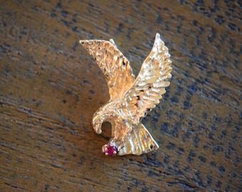 14 Karat Yellow Gold American Eagle Pendant with Ruby Gemstone, Used Vintage Jewelry