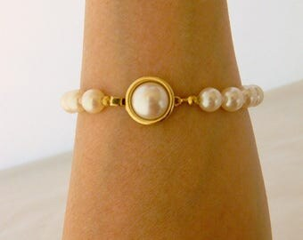 Vintage Faux Pearl Bangle Bracelet Gold Tone Retro Costume Jewelry 8.5""
