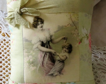 Boudoir cushion perfect to display your vintage brooches