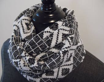 Black and White.Infinity Scarf.SCARVES.Circle Scarf.Tube Scarf.Casual Scarves.Modern Scarf.Spring.Summer Scarf.Office Attire.Style