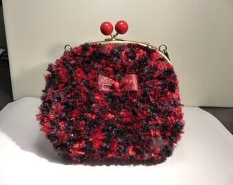 Red and black evening bag / / wedding bag / / faux fur / / clasp / / ceremony bag / / kawaii bag