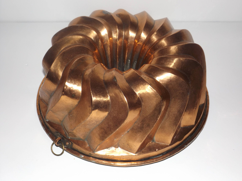 Antique copper bundt cake pan tinheavy duty round fluted
