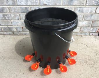 6 Cups AUTOMATIC CHICKEN WATER Feeder Bucket Waterer July 4th Special, Quail, Great with Feeder