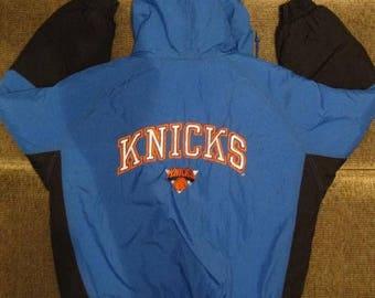 NBA New York Knicks jacket, basketball jacket, vintage nylon jacket, old school Starter jacket 90s hip-hop clothing, 1990s hip hop, size XL