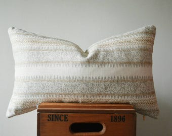 THE STOCKBRIDGE Lumbar Pillow Cover