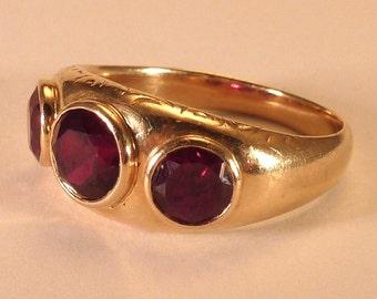 Vintage 14 Karat Yellow Gold man's ring with man-made rubies