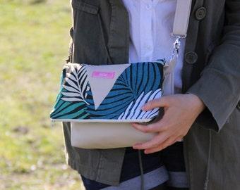 Flap shoulder bag: the Palm