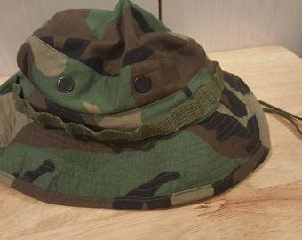 US ARMY Sun Hat Woodland Camouflage Pattern Type 3! Authentic United States Military Hat size 7 5/8. Memerobelia !