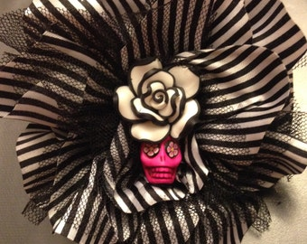 Halloween striped hair clip/lapel pin with sugar skull