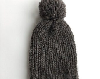 Ribbed Knit Beanie / Charcoal