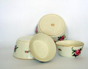 4 Ditmar Urbach nesting bowls / Czechoslovakian ceramic /20's or 30's
