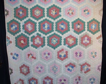 "1940's Grandmother's Flower Garden Quilt For Crafters 79"" x 72"""