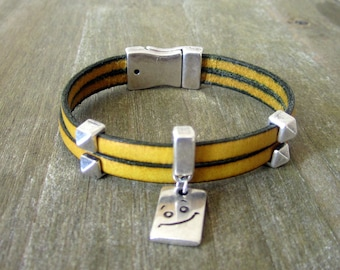 Leather strap yellow, Smiley, loving money 10MM plate clasp Message pendant
