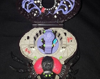 Mighty max doom zone Arachnoid 100% complete