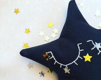Cushion star black or off-white. room decoration, deco, baby room, doudou