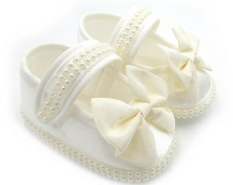 Crib shoes,Christening Booties, babygirls crib shoes, Christening Shoes, Baptism Blessing Dedication, Baby Booties, baby slippers