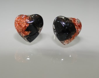 Mini-studs in heart shape with sheet copper and Hematite
