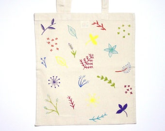 Floral tote bag hand painted, botanical tote, ecofriendly shopping bag with flowers, cotton shoulder bag, gift for women, vegan bag