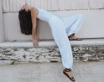 Gauze Cotton Yoga Pants in WHITE // Flexible Waistband, Natural Fiber, Whole body breathes!