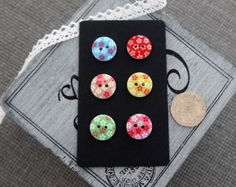 10 x Round Colourful Wooden Button with Floral Design