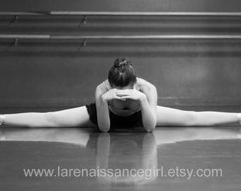Ballerina Resting / Ballet Photography / HD Wallpaper {Digital Download}