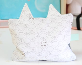Hot bottle dries in grey and white Pandas printed Cat Head cherry pits