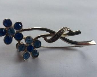 Vintage Chic Blue Flower Brooch - Kitsch Glitzy Dinner Party Piece - Springwatch - Glass