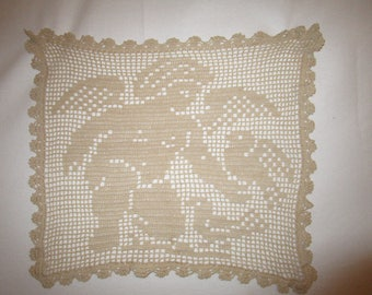 Cherub and Birds crocheted pillow square
