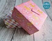 Geschenkschachtel, Geschenkbox, Geschenkkiste, Origami, Fabrigami, Baby, Pony, Pferde, pink, rosa, orange von Frollein KarLa