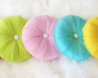 Decorative round pillow different colors