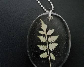 Real Leaf Resin Pendant, Natural Leaf Necklace, Green Leaf Pendant, Spring Leave Necklace, Real Leaves Jewelry, Natural Resin Pendant Choker