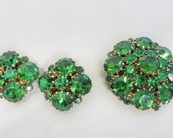 Signed Weiss - Demi parure Green rhinestone Brooch and clip on earring set Albert Weiss New York gift for woman gift for her mothersday gift