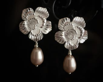 Champagne Pearl Drop Earrings, Silver Flower Earrings, Botanical Earrings, Pearl Earrings, Bridal Earrings, Wedding Earrings