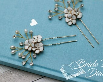 1pcs Bridal hair pins,  gold hair pins with rhinestones and white flowers in vintage-look