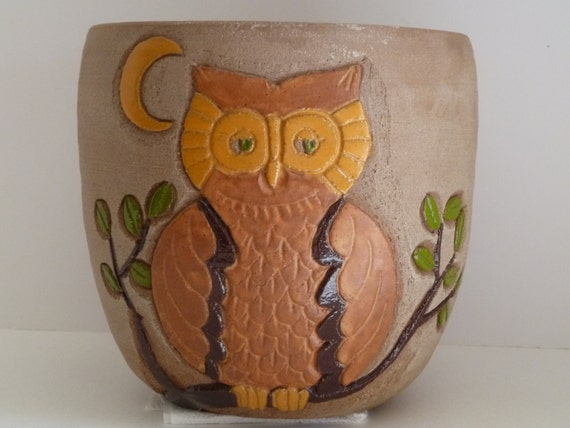 Owl decor//Owl and Moon vase/Handcrafted pottery//earthenware pot//handcrafted 1970's//earthtone pottery//decorative pottery//home decor