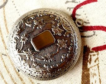 Locket pendant silver vintage style jewellery supplies C64