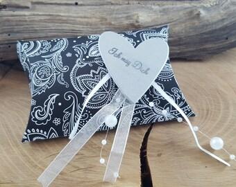 Gift wrap pillow box