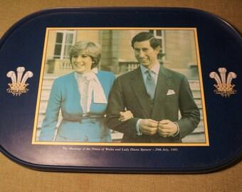 MELAMINE TRAY - Prince Charles & Princess Diana 1981 - Lady Di Drinks