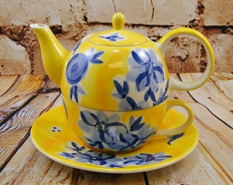 Blue n Yellow Fresh Bloom / Tea for One Teapot / Herman Dodge & Son / Hand Painted Ceramic / Tea Party / Afternoon Tea / Mother's Day Gift