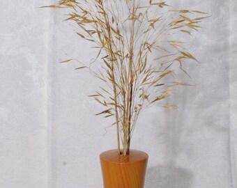 Bud vase / Dried flower vase / Yew vase