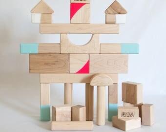 LATEX SPLASHED 28 Piece Block Set