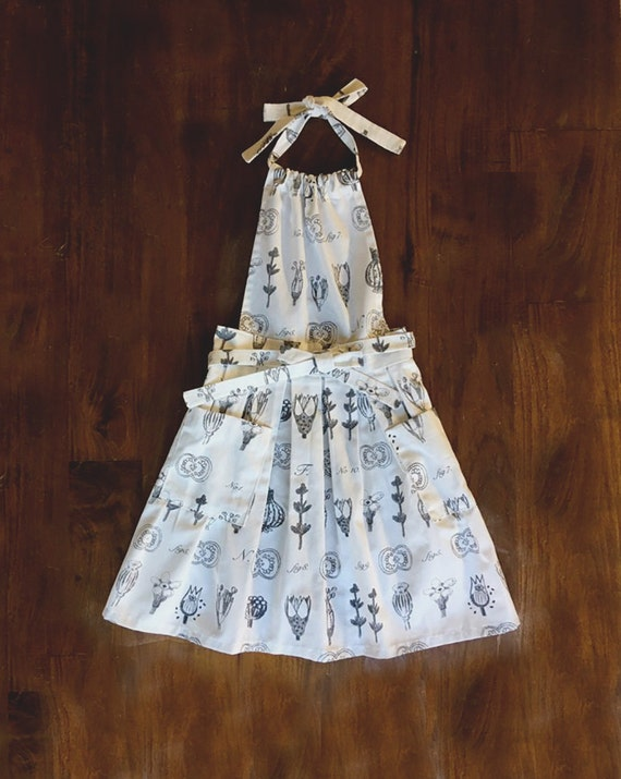 Grey&White Herbs print Dress like flirty Women pleated gift Handmade with Pockets Hostess APRON