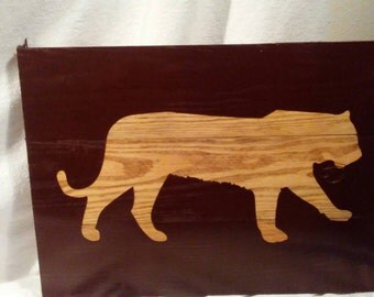 Tiger silhouette wall plaque on reclaimed pallet wood