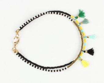 Tassel Bracelet with Beads and Colored Tassel
