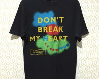 """Rare!!! Vintage United Colors Of Benetton """"Don't Break My Heart"""" Big Logo Spellout T-shirt Made in Italy S Size"""