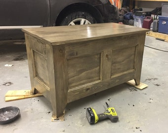 Rustic Shaker Blanket Chest