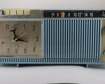 Vintage Motorola Tube Radio Bluetooth Retrofit
